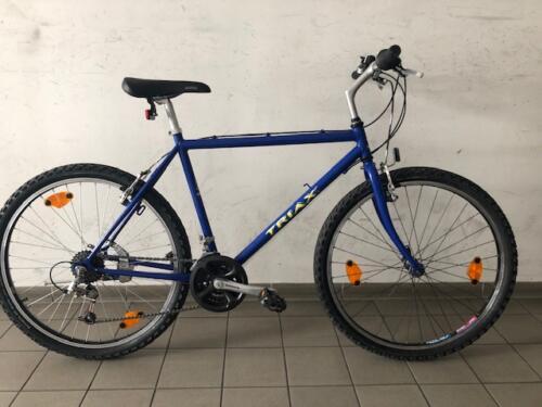 220 €, Triax blau